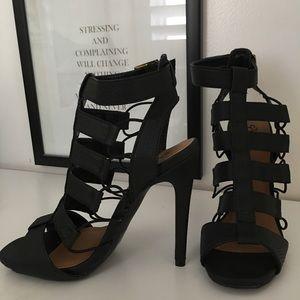 NEVER WORN black heels 🖤